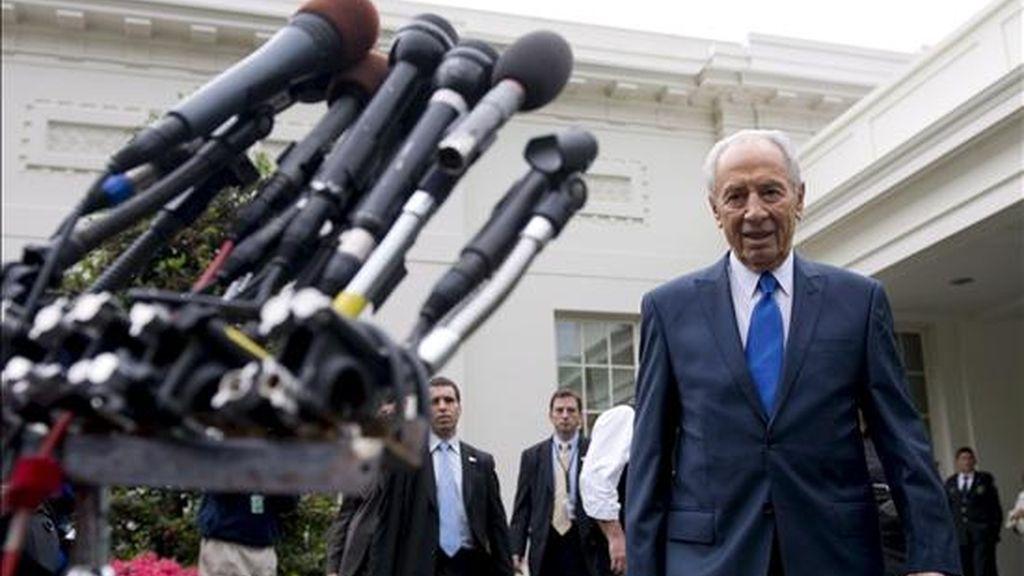 El presidente de Israel, Simon Peres, en una comparecencia ante la prensa tras reunirse con su colega de Estados Unidos, Barack Obama, en la Casa Blanca el mes pasado. EFE