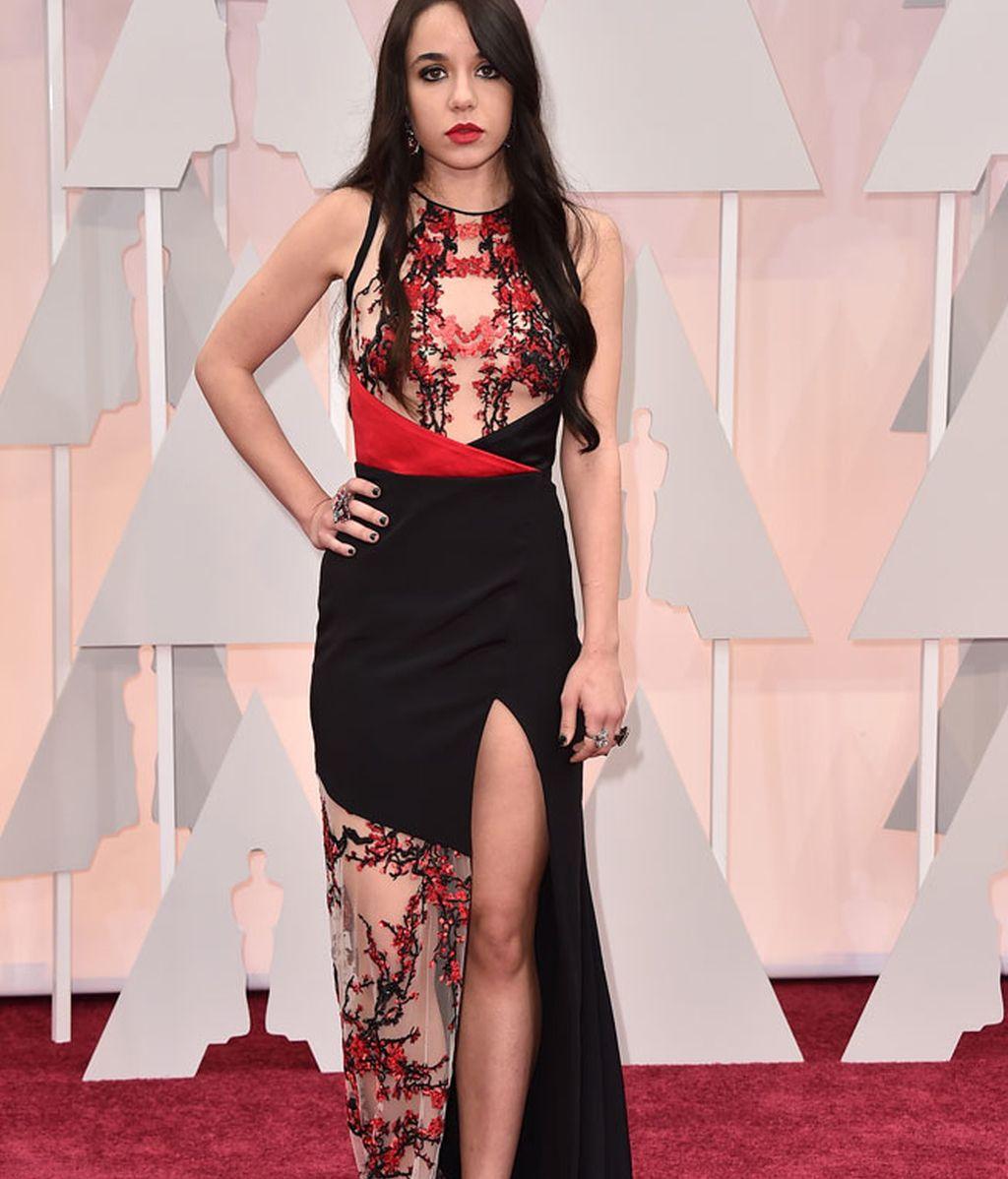 Lorelei Linklater vestida de Gabriela Cadena
