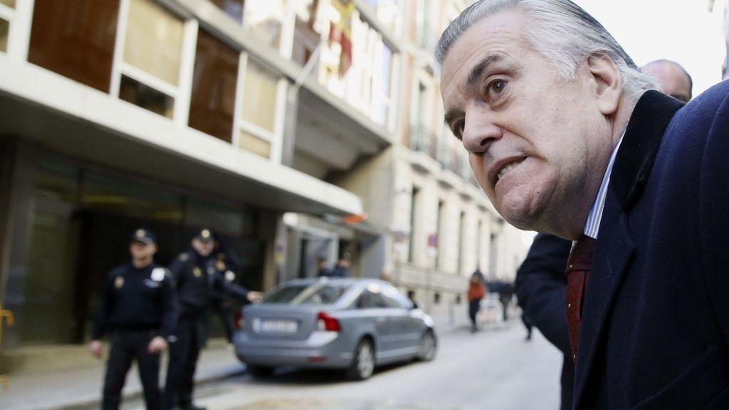 Luis Bárcenas, a las puertas de la Audiencia Nacional