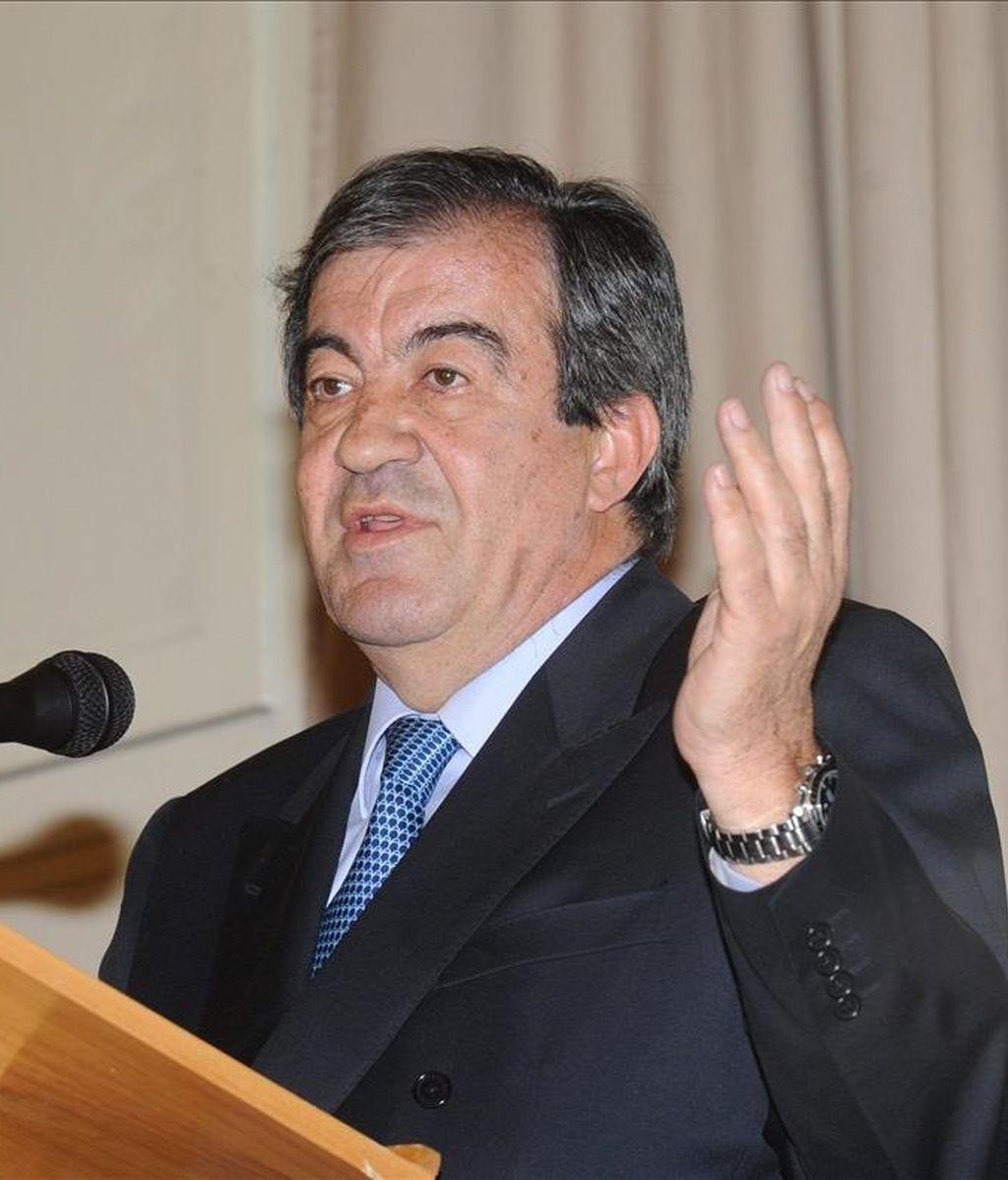 El candidato del Foro Asturias a la Presidencia autonómica en las elecciones del 22 de mayo, Francisco Álvarez-Cascos, durante su intervención ante la comunidad asturiana en Ciudad de México. EFE