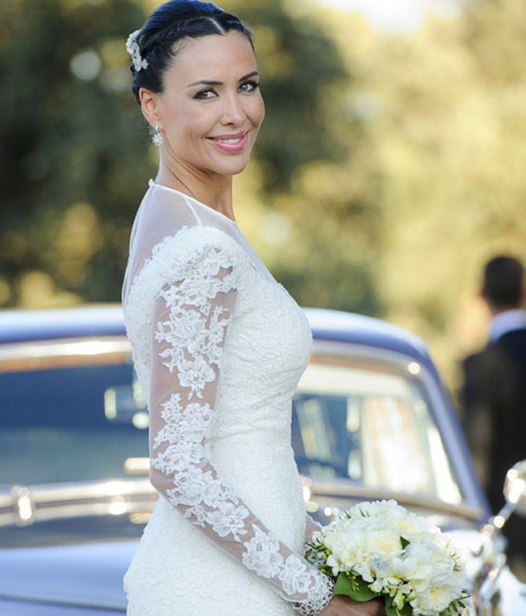 Vania lució un vestido de Isabel Basaldúa