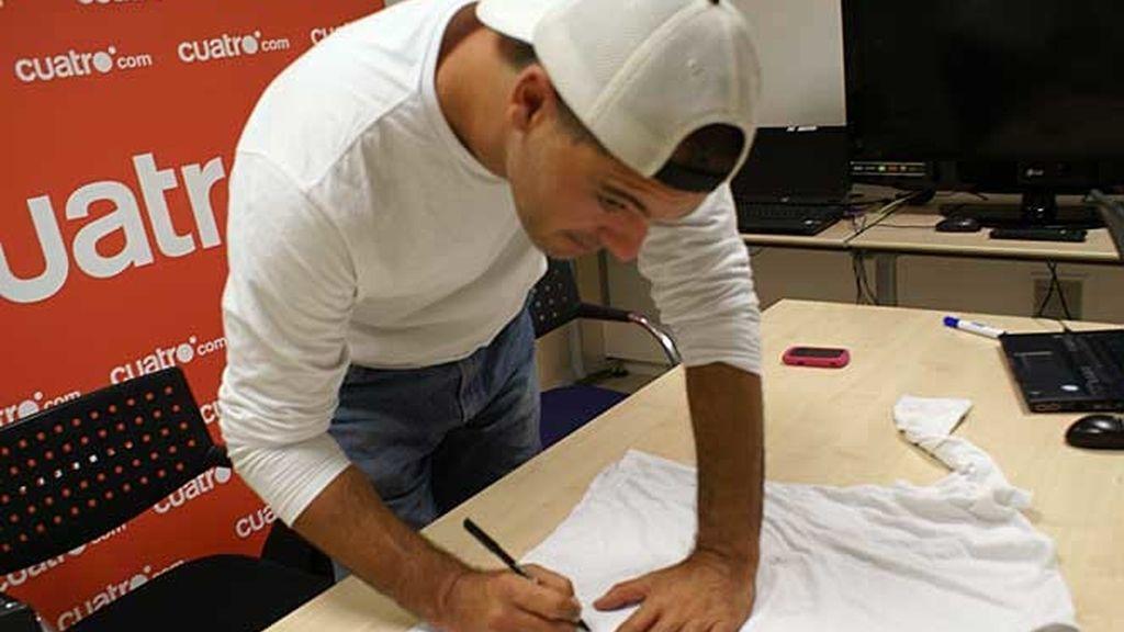 Consigue la camiseta firmada de Frank de la Jungla
