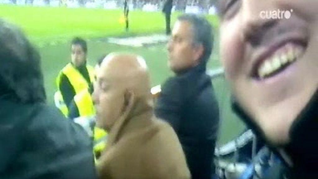 Mourinho en la grada: los detalles, desde la cámara de un aficionado
