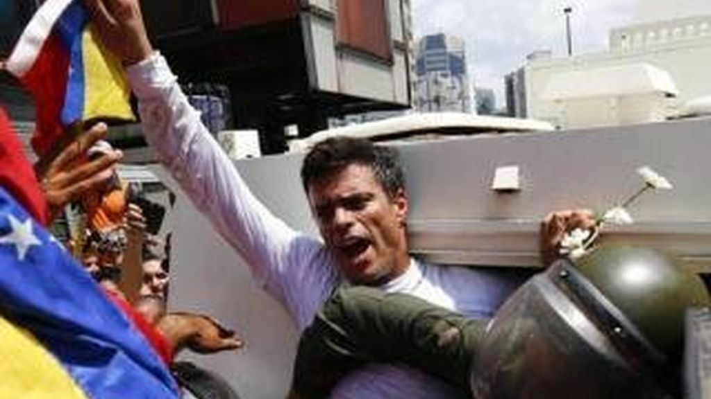 """Leopoldo López pudo votar y """"escuchó el triunfo desde su celda"""""""