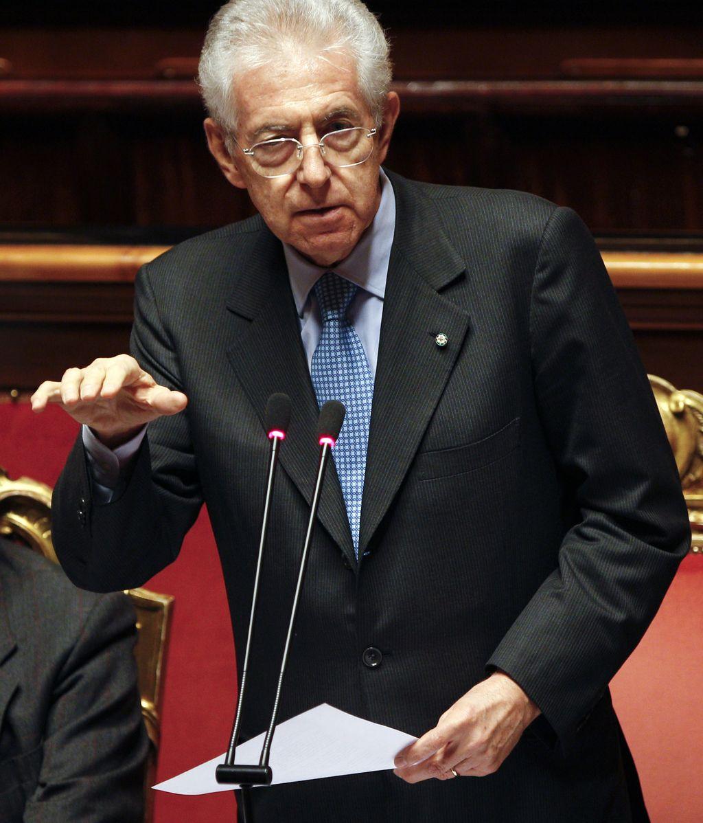Mario Monti expone su plan de recortes ante el Parlamento