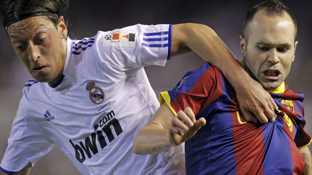Özil e Iniesta, dos de los jugadores con más calidad sobre el campo