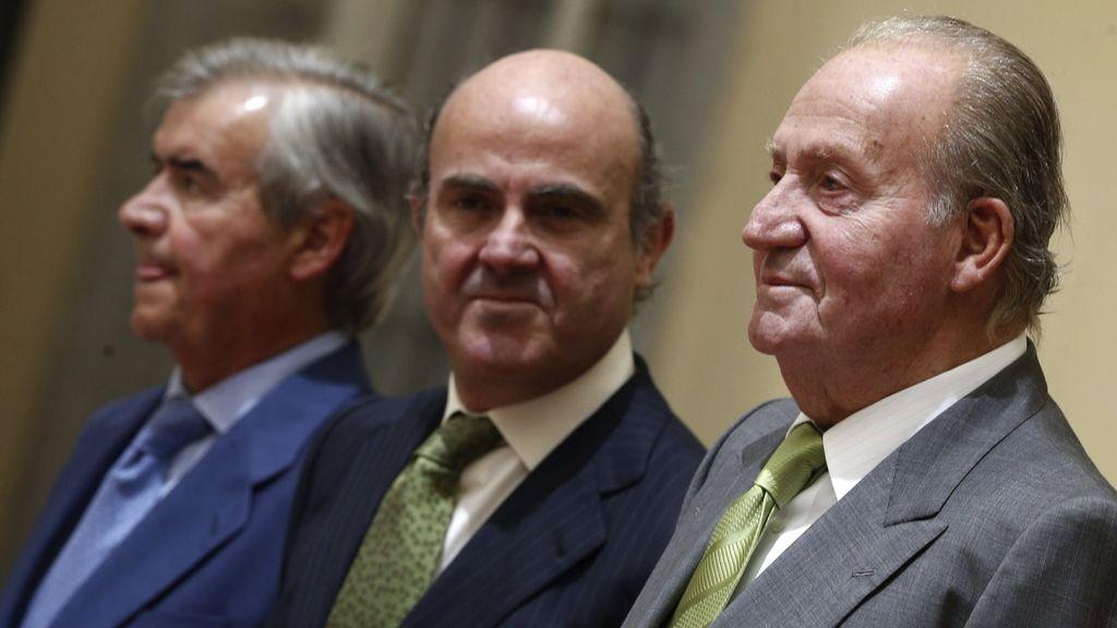 El Rey Juan Carlos entrega el premio Reino de España a la Trayectoria Empresarial