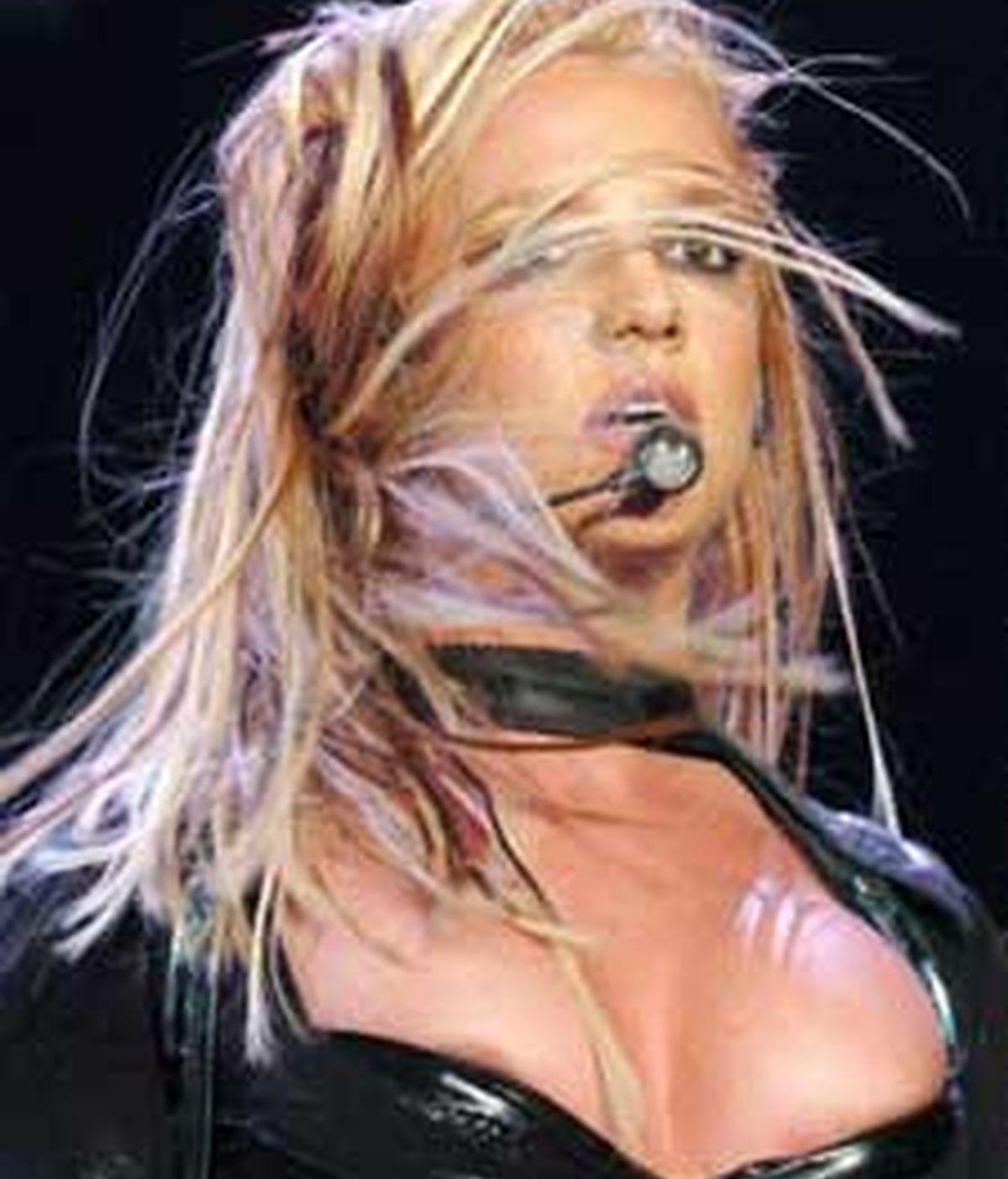 Russel Grant intentará solucionar los problemas personales y profesionales de Britney. FOTO: EFE