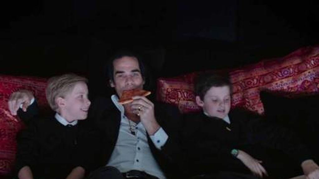 Nick Cave con sus hijos, Earl y Arthur