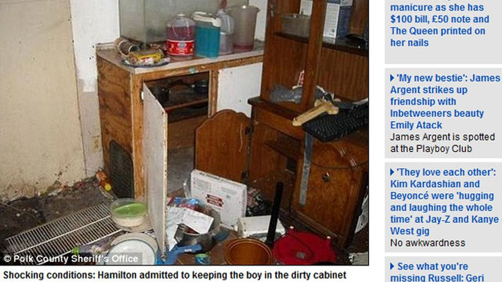 Encierran a un niño de cuatro años en un armario lleno de cucarachas para poder dormir