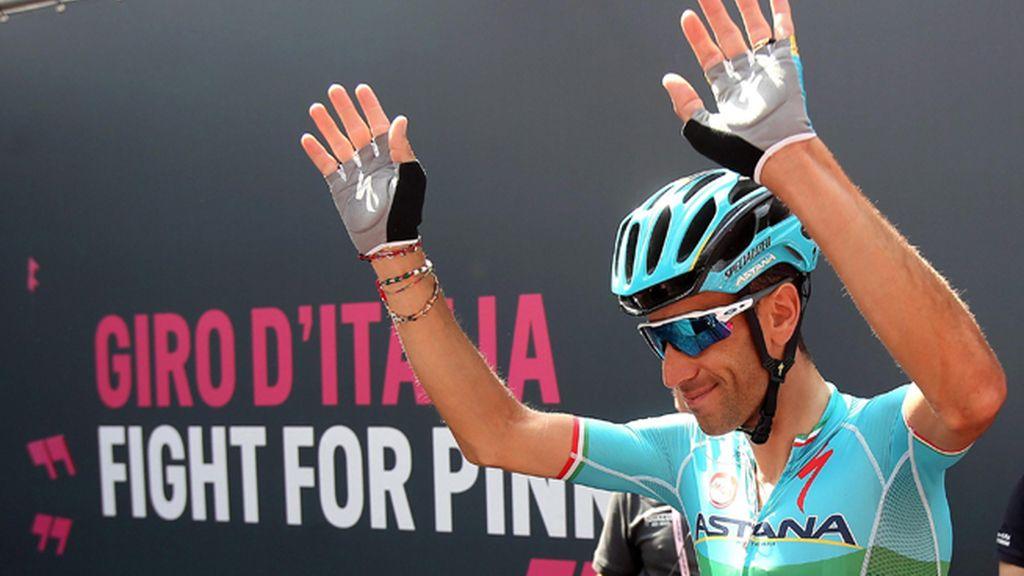 Nibali gana en Risoul y Chaves es 'maglia rosa' tras la caída de Kruijswijk