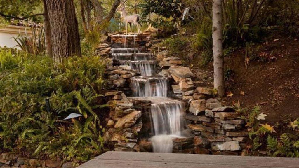 Sharon Stone vuelve a intentar vender su casa en Beverly Hills