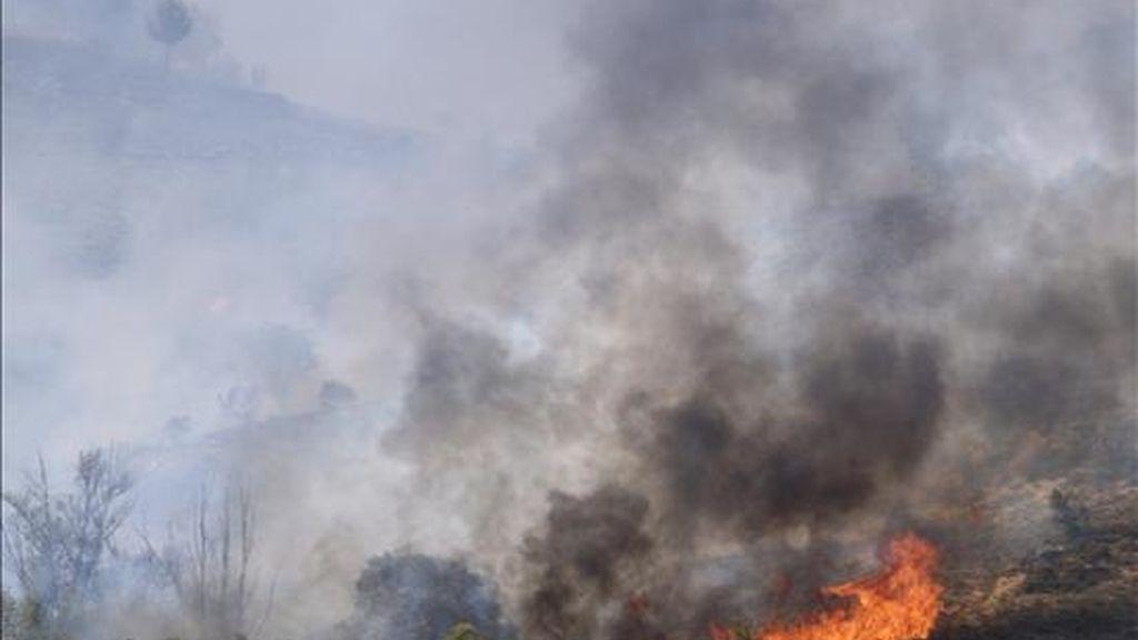 Imagen de otro incendio forestal en la provincia de Cuenca. EFE/Archivo