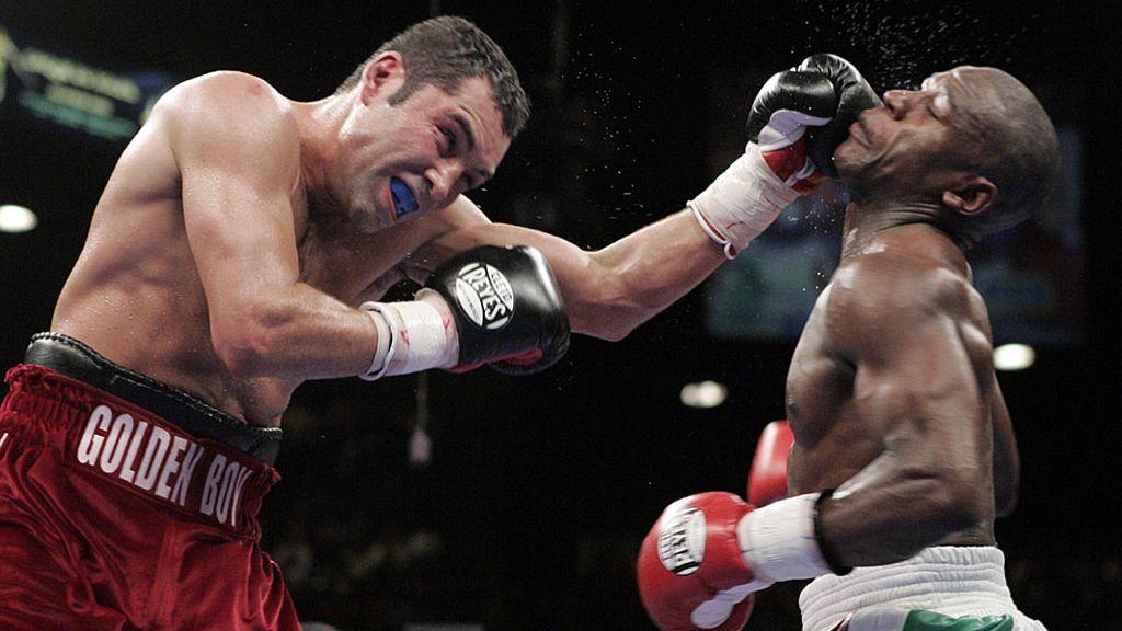 Mayweather tumbó a De la Hoya en uno de los combates más lucrativos de la historia