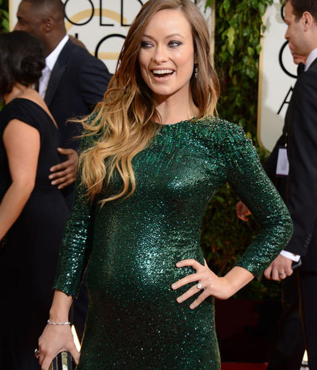 Olivia Wilde lució tripita con un vestido verde oscuro de lentejuelas de Gucci