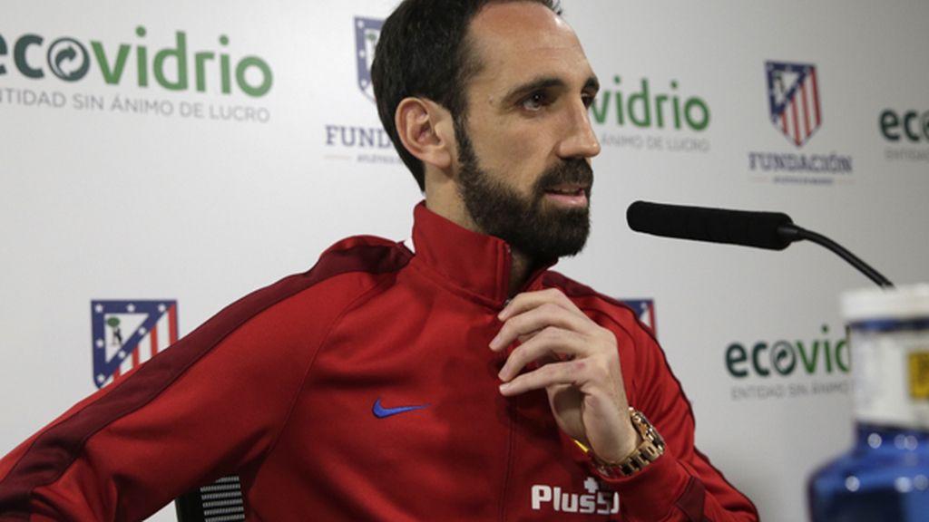 """Juanfran: """"La derrota ante el Levante nos va a fortalecer de cara al final de temporada"""""""