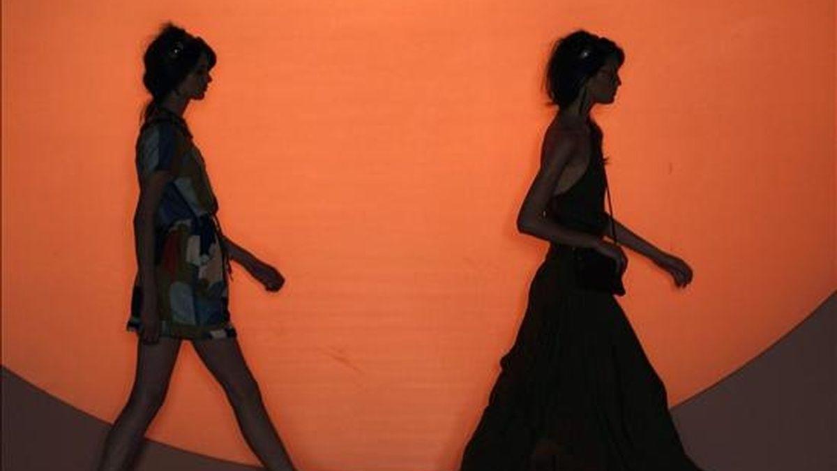 Modelos lucen creaciones de la marca brasileña Totem, durante XV Semana de la Moda de Río de Janeiro, que se realiza en esa ciudad brasileña. EFE