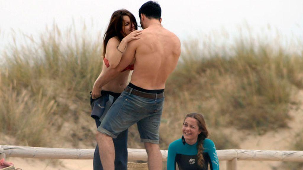 Miguel Ángel Silvestre le enseña 'body' a Blanca Suárez