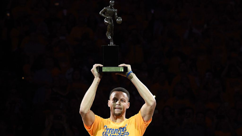 Stephen Curry, MVP de la temporada (12/05/2016)