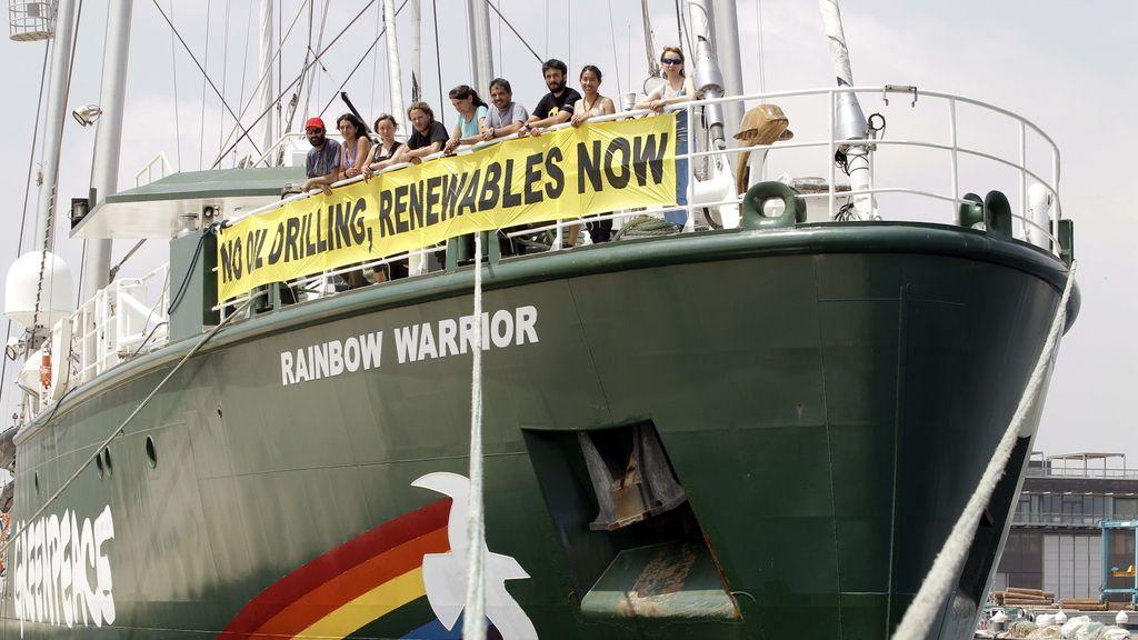 El Rainbow Warrior de Greenpeace en Valencia