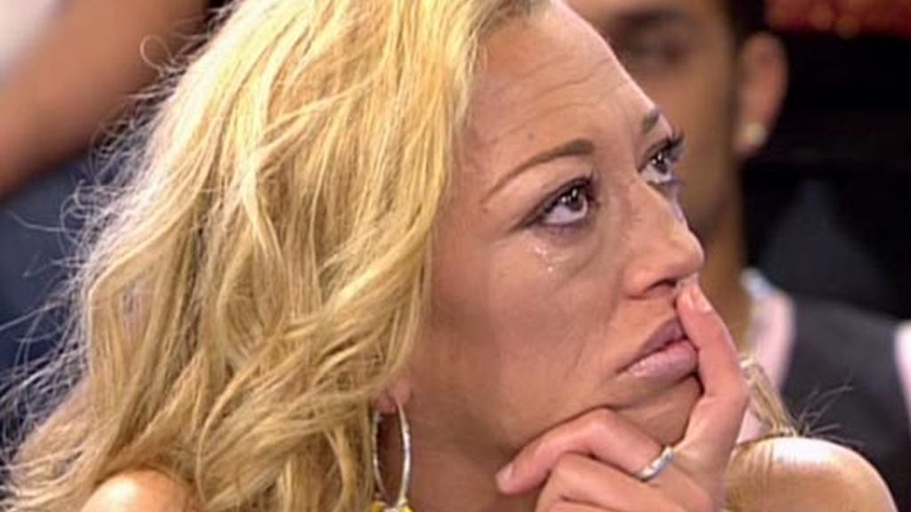 Belén Esteban rompe a llorar