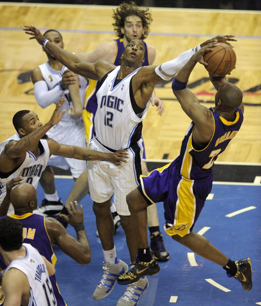 91-99. Los Lakers a un paso del título de campeones