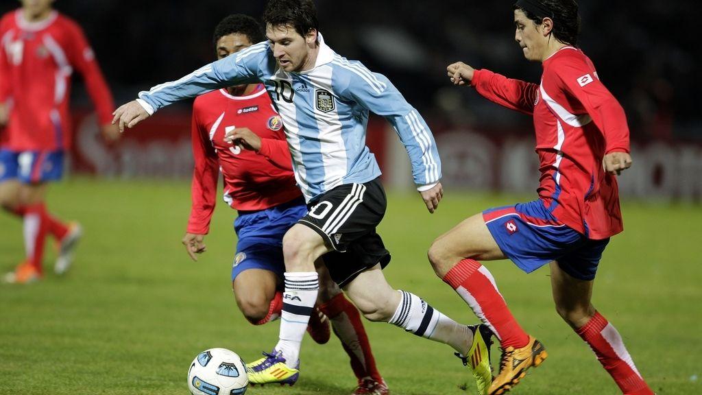 Messi, silbado con la albiceleste