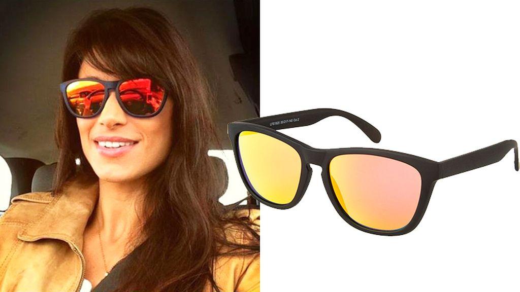Sonia Ferrer luce sexy y moderna con este par de gafas de la firma Life Italia