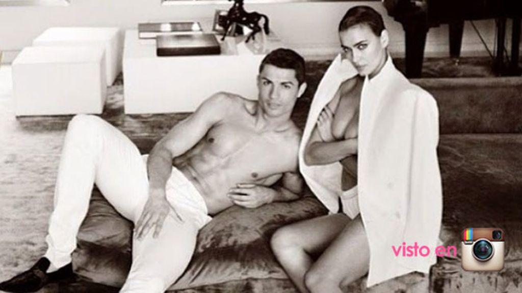 Nos regalaron un sexy posado en pareja para Vogue España que firmó Mario Testino