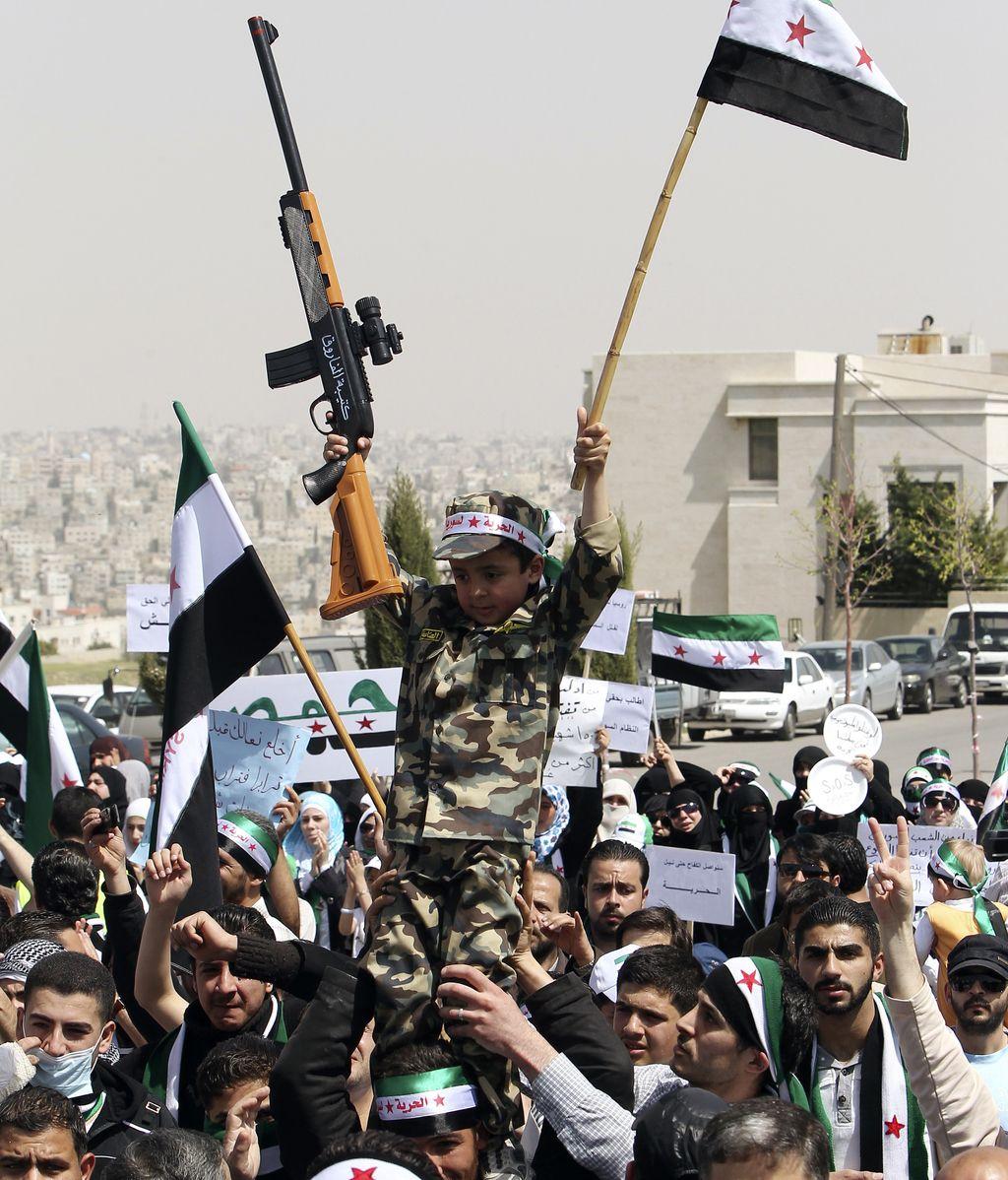 Miembros de la oposición siria al régimen de Al Assad