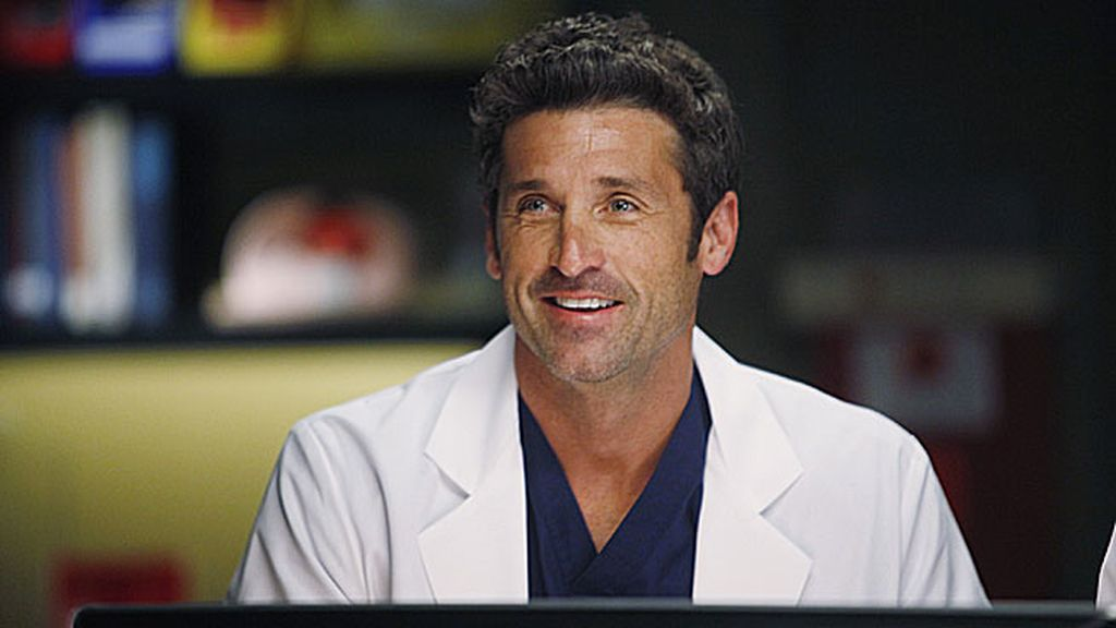 Derek se encarga de los niños lo que permite Meredith seguir con su investigación