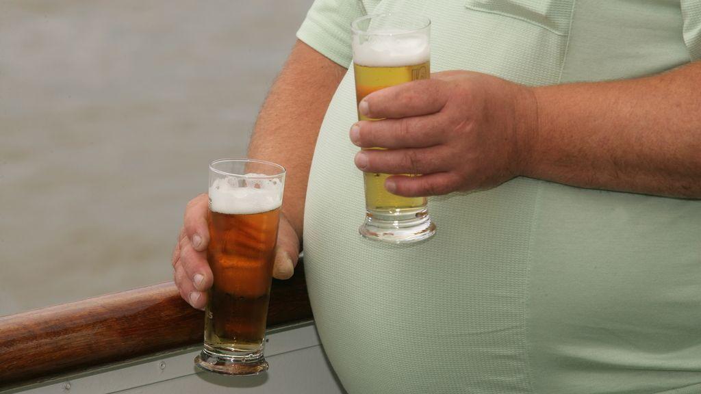Científicos estadounidenses afirman que la 'barriga cervecera' es un mito