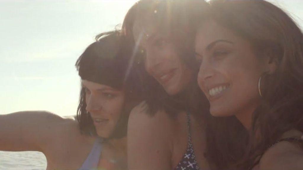 Así de sexys visten para Women' Secret Eva González, Hiba Abouk y Bimba Bosé
