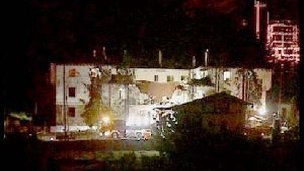 Imagen de noche del cuartel