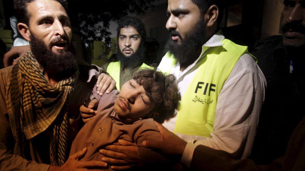 Se derrumba una fábrica en Lahore y deja al menos a 12 muertos
