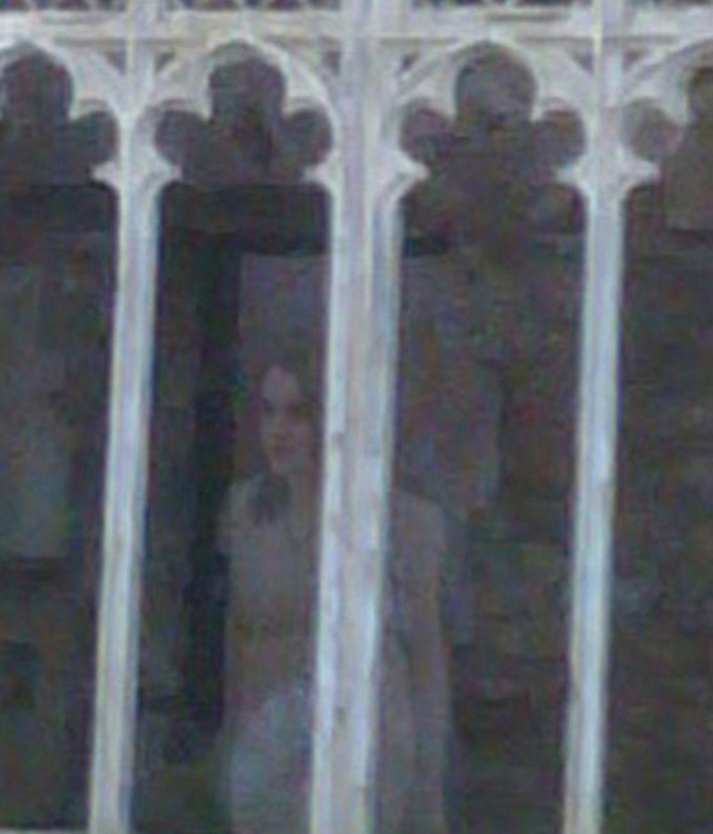 La joven de la ventana