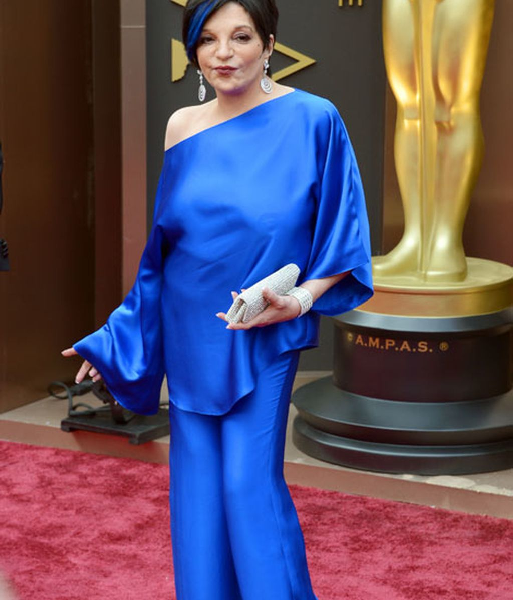 Liza Minelli toda de azul