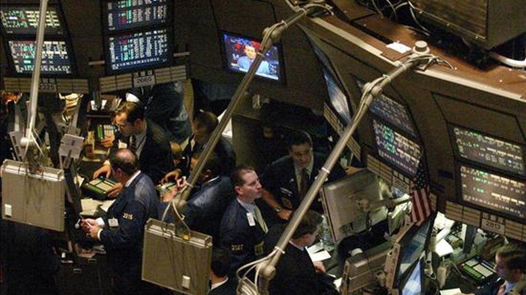 El Dow Jones de Industriales restó 22,55 puntos para acabar en 11.674,76 unidades. EFE/Archivo