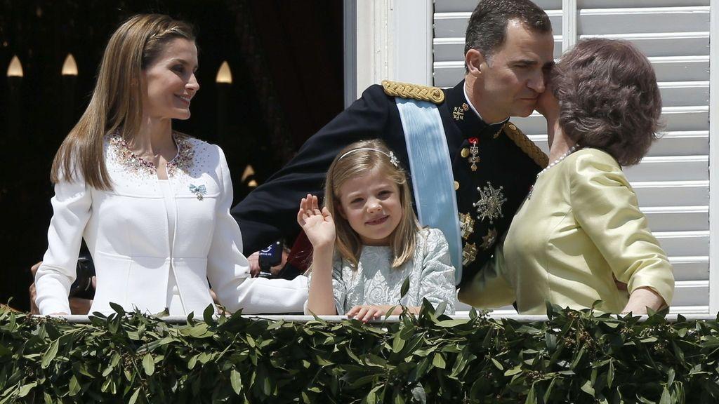 Saludo desde el balcón del Palacio Real
