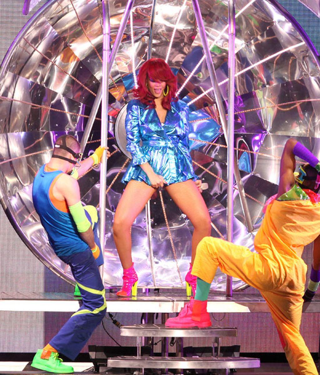 La gira de Rihanna: estilismo a lo Lady Gaga; actitud a lo Diego Forlán