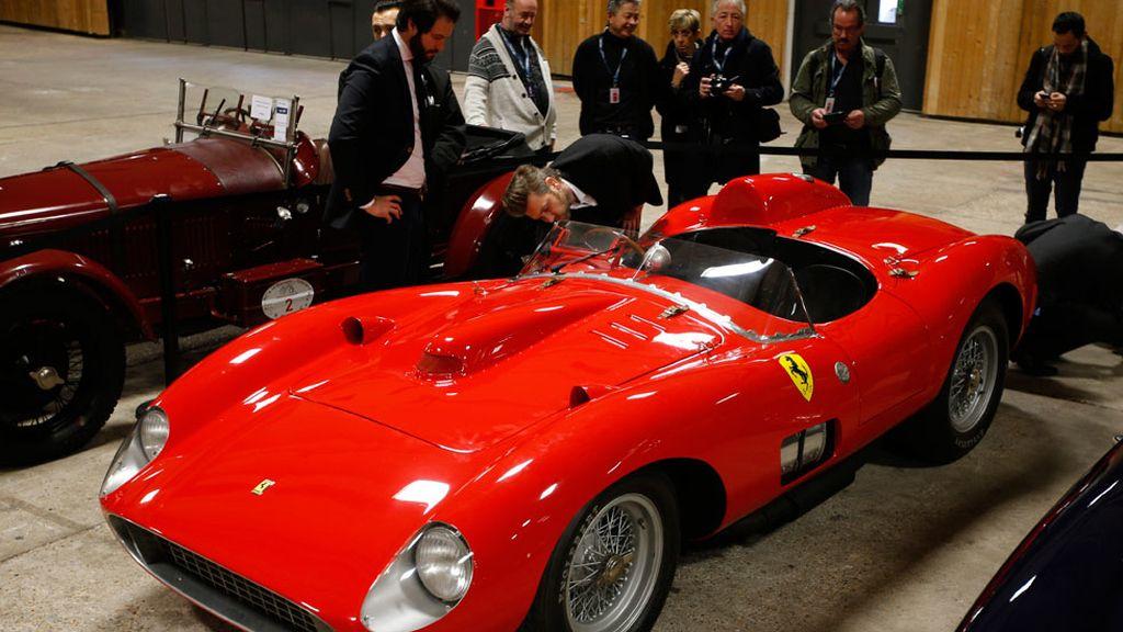 Un ferrari 335 Sport Scaglietti de 1957 por solo 32 millones de euros (05/02/2016)