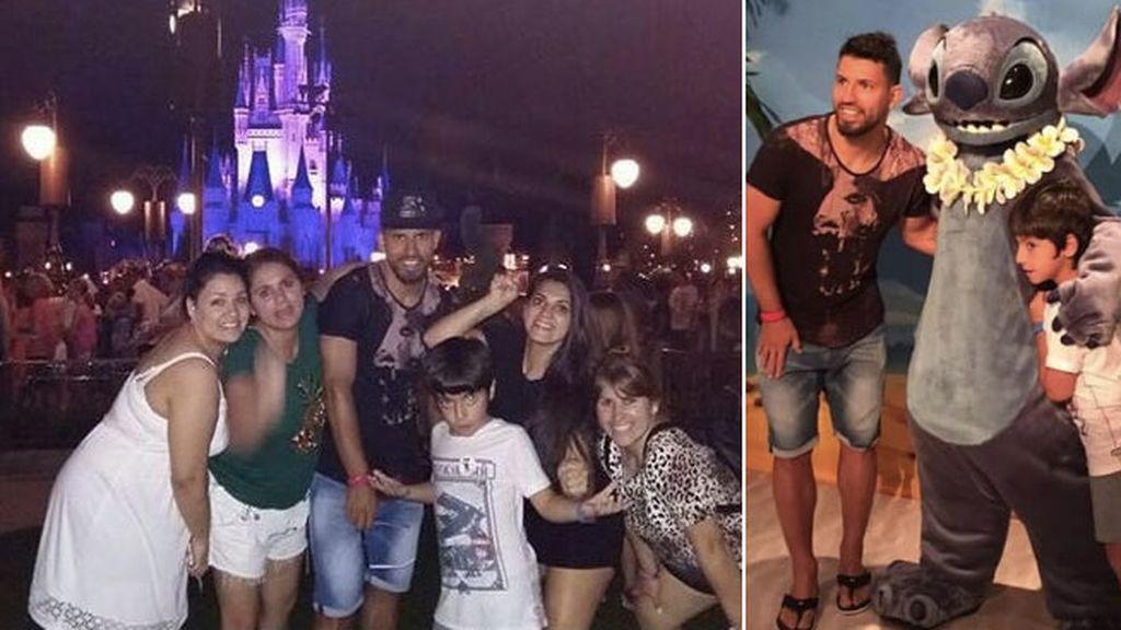 Kun Aguero, con toda la familia, en Disneyworld (Orlando)
