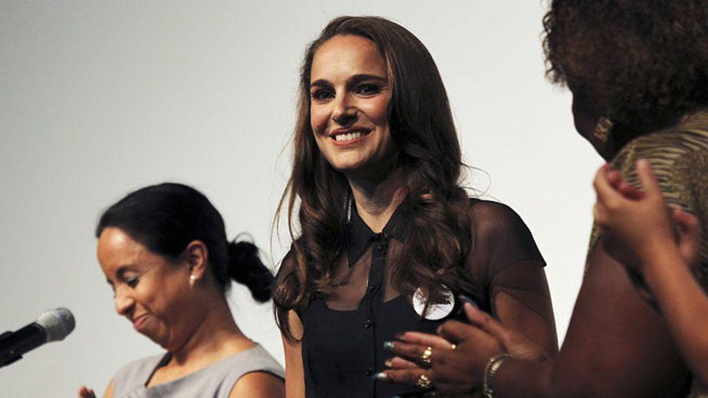 Natalie Portam, pididendo el voto femenino