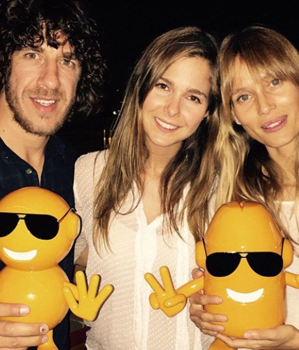 Natalia Sánchez, Carles Puyol y Vanesa Lorenzo, apoyando la causa
