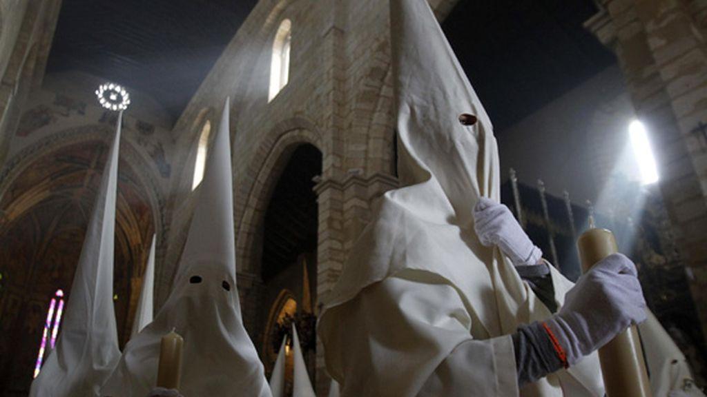 Procesión de La Borriquita, a su salida de la iglesia de San Lorenzo en Córdoba