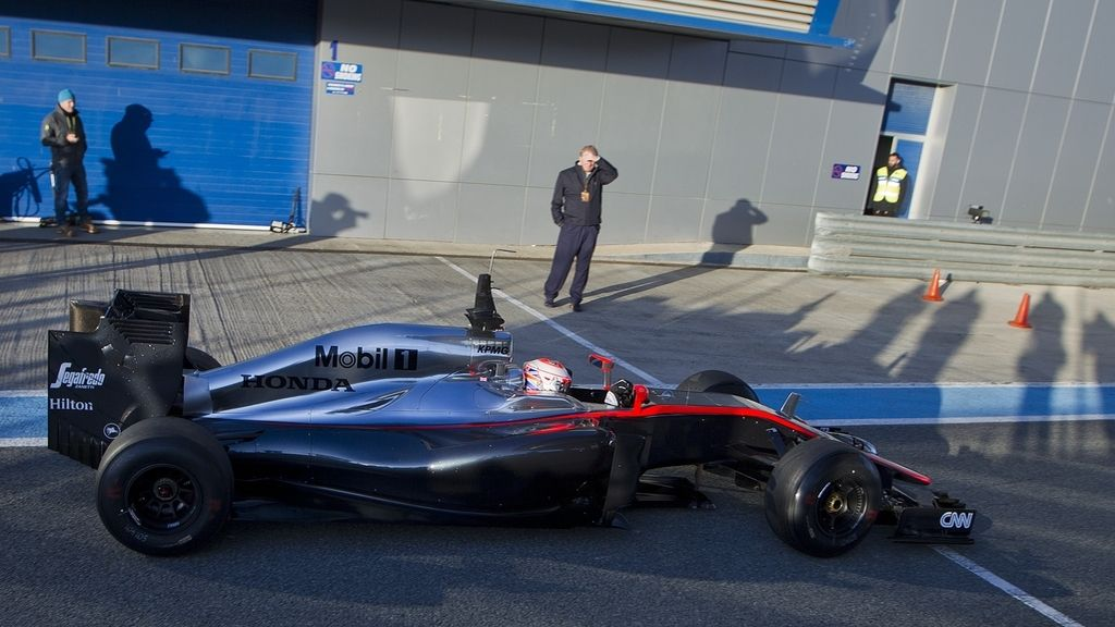 McLaren vuelve a sufrir en los entrenamientos en Jerez y Vettel sigue al frente