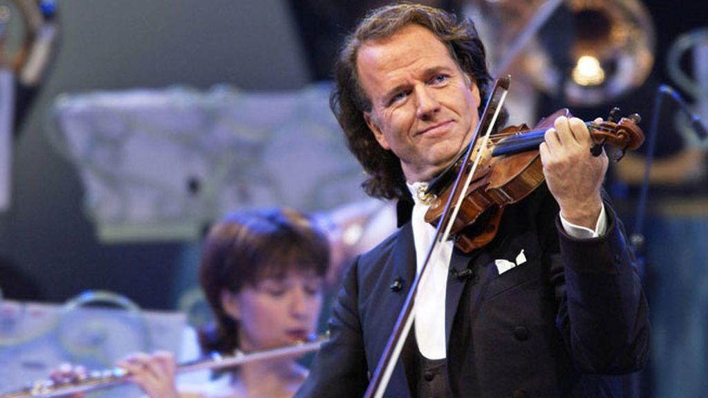 10. El director de orquesta holandés Andre Rieu, 47 millones en  99 conciertos