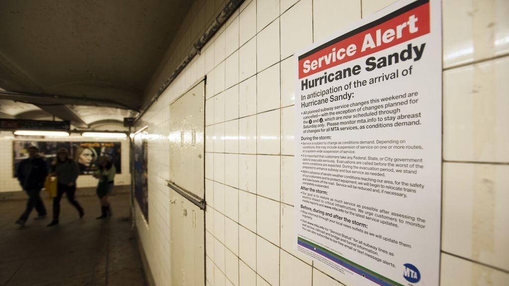 Los carteles de alerta cubren las paredes estadounidenses
