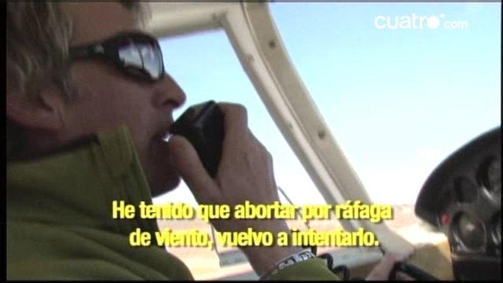 Jesús Calleja tiene que abortar por primera vez  un vuelo