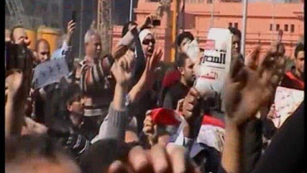 Mubarak, cada vez más solo